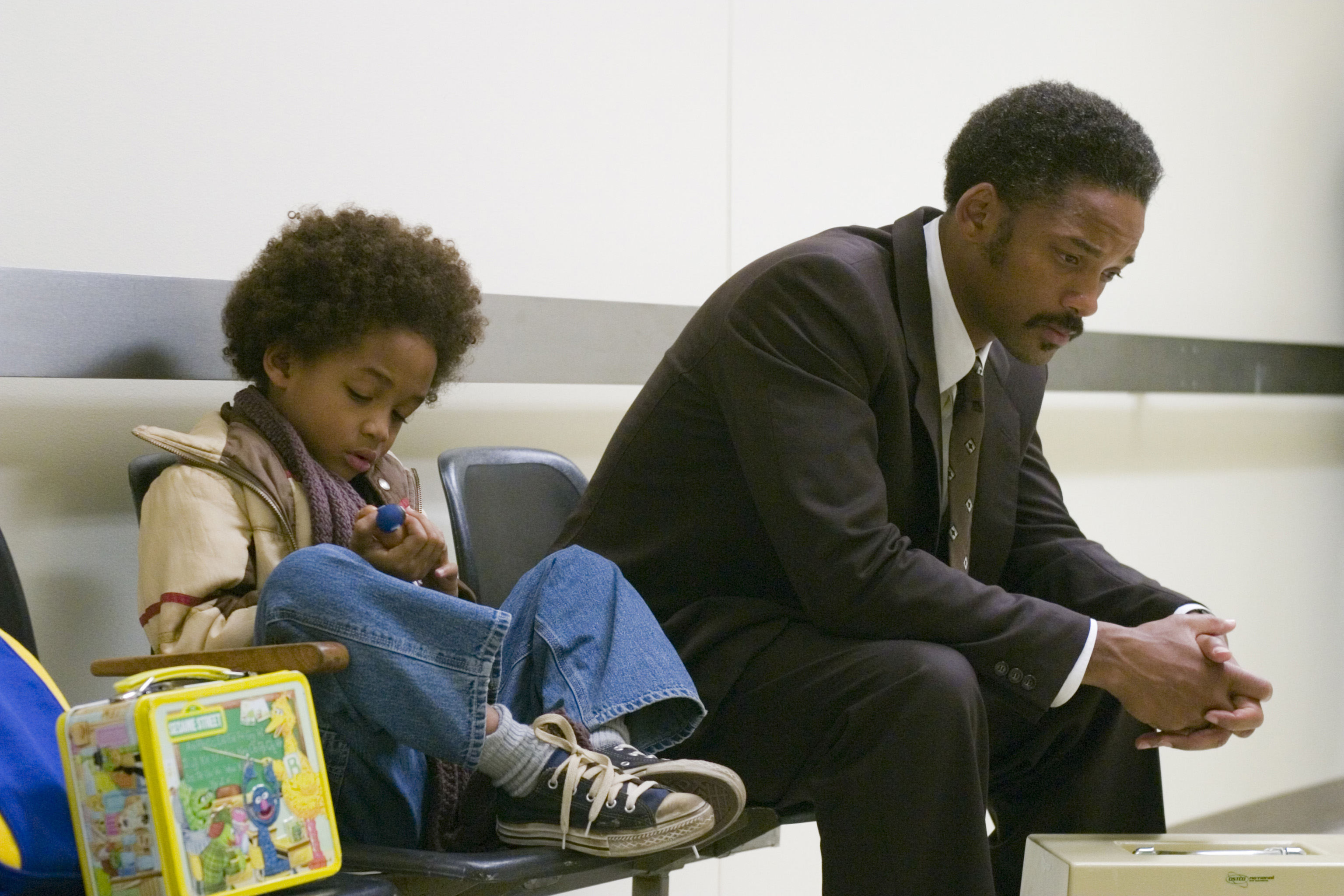 PK-13 [DF-01287] - Jaden Christopher Syre Smith (left) and Will Smith star in Columbia PicturesÕ drama The Pursuit of Happyness. Photo Credit: Zade Rosenthal