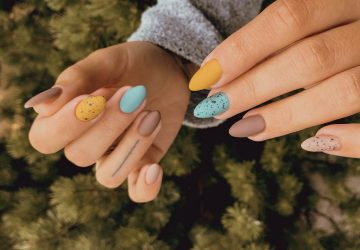 colorful-nails-360x250.jpg